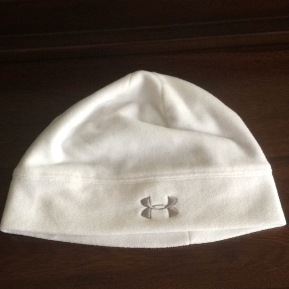 White under armor winter   running hat. M 5a8c315e2ae12f5740118cd4 fb1bdb98930